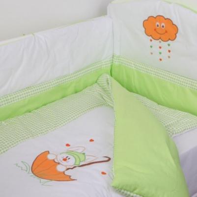 Bebi posteljina Na oblaku - sa ogradicom